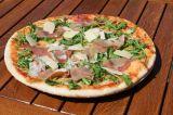 38cm Pizza prosciutto crudo – rajčata, mozzarella, rukola, parmská šunka